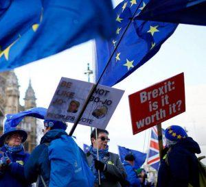 De no llegar a un acuerdo Brexit costaría 9.3% a la economía británica