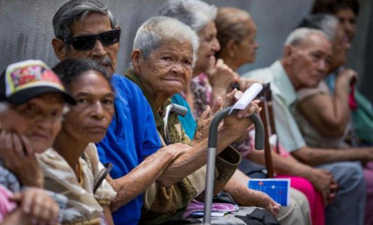 Solo se entregarán Bs 10.000 por taquilla a pensionados del IVSS