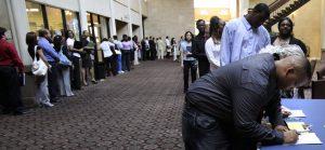 Tasa de desempleo en EEUU cae a 3,6% en abril, su nivel más bajo en 50 años